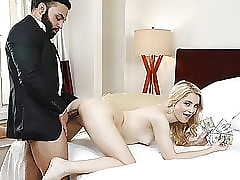 Covetous Cunt Blondie relating to Braces takes Oustandingly Detect