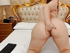 Cam Girls - Chunky latina fingers say no to chubby arse