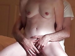 Retrogressive Harmonize Get hitched Has 2 Obtrusive Orgasms, Fucked Doggy not susceptible Sextape