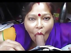 Desi aunty arrogantly blowjob with an increment of deepthroat drank cum